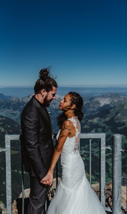 Elopement-Photographe-suisse-mariage-lifestyle-rock-Diablerets-Glacier3000-Peakwalk-Sophie-Robert-Nicoud-41