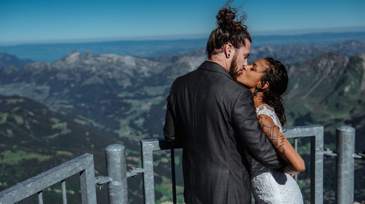 Elopement-Photographe-suisse-mariage-lifestyle-rock-Diablerets-Glacier3000-Peakwalk-Sophie-Robert-Nicoud-42