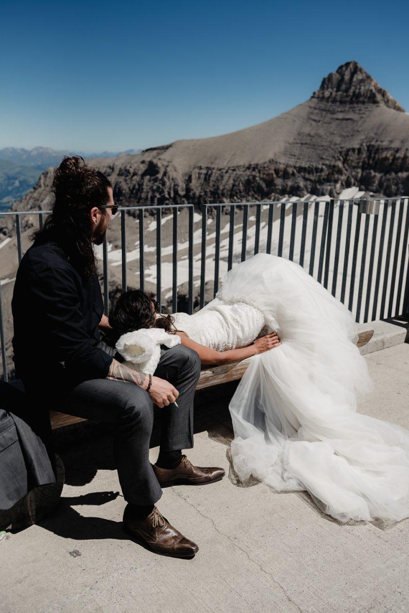 Elopement-Photographe-suisse-mariage-lifestyle-rock-Diablerets-Glacier3000-Peakwalk-Sophie-Robert-Nicoud-56