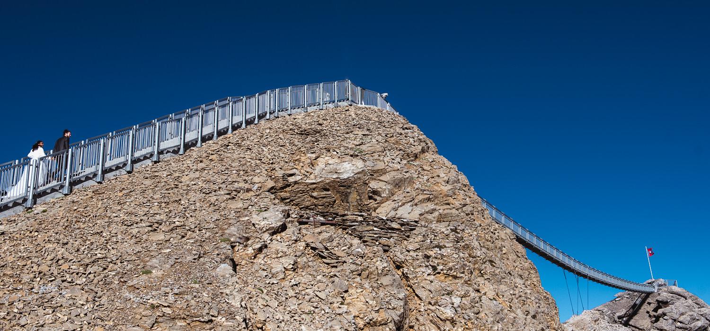 Elopement-Photographe-suisse-mariage-lifestyle-rock-Diablerets-Glacier3000-Peakwalk-Sophie-Robert-Nicoud-6