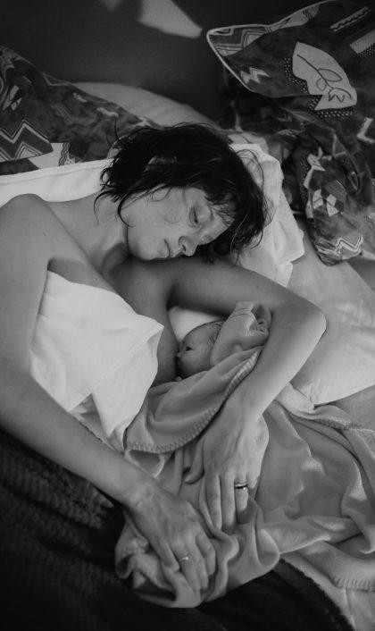 Photographe_accouchement_naissance_lifestyle_Suisse_Vaud_Valais_Fribourg_Sophie_Robert-Nicoud_1-2-1